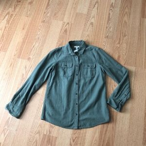 J.crew olive buttoned shirt sz:4 comfy casual fall